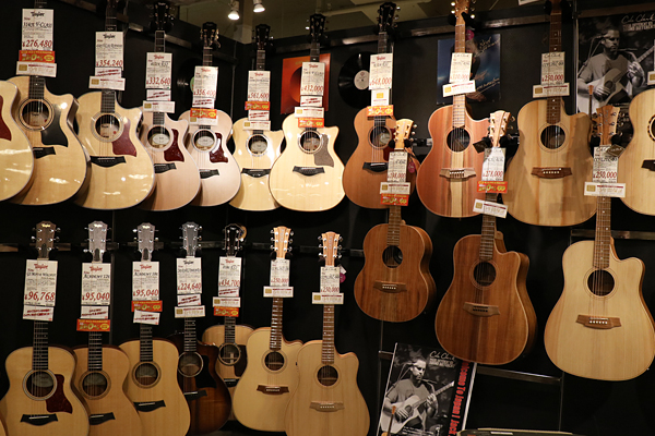イシバシ楽器 名古屋栄店 写真2
