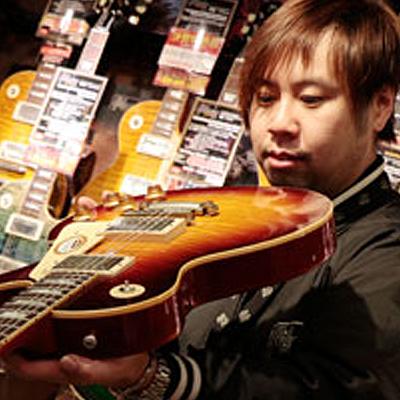 御茶ノ水Finest Guitars 和田 孝幸
