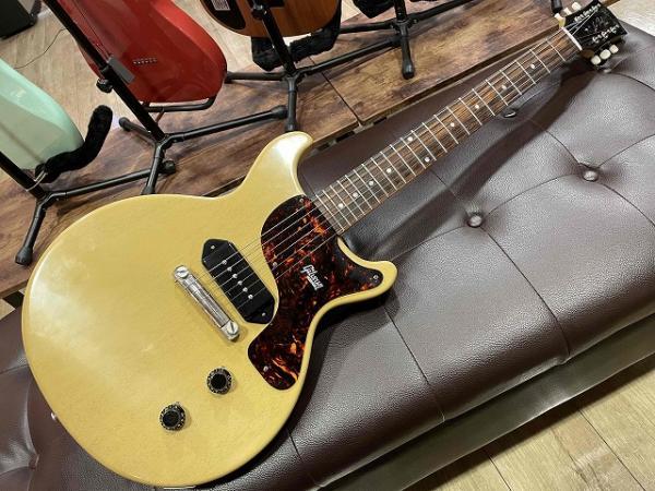 Gibson Custom Shop 1958 Les Paul Junior Double Cutaway VOS TV Yellow 入荷しました♪ 記事メイン画像