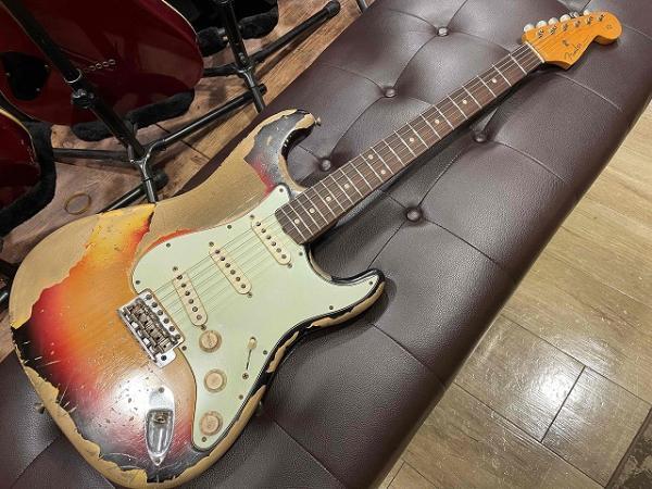 【中古】 Fender Custom Shop -Jason Smith- Master Built 1960 Stratocaster Relic 3-Color Sunburst 入荷  しました!! 記事メイン画像