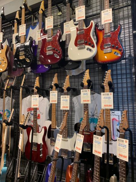 Suhrギター、怒涛の大量展示・販売中!! 記事メイン画像